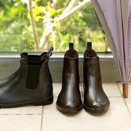 雨の日もおしゃれを楽しむ傘・レインシューズ・レインコート