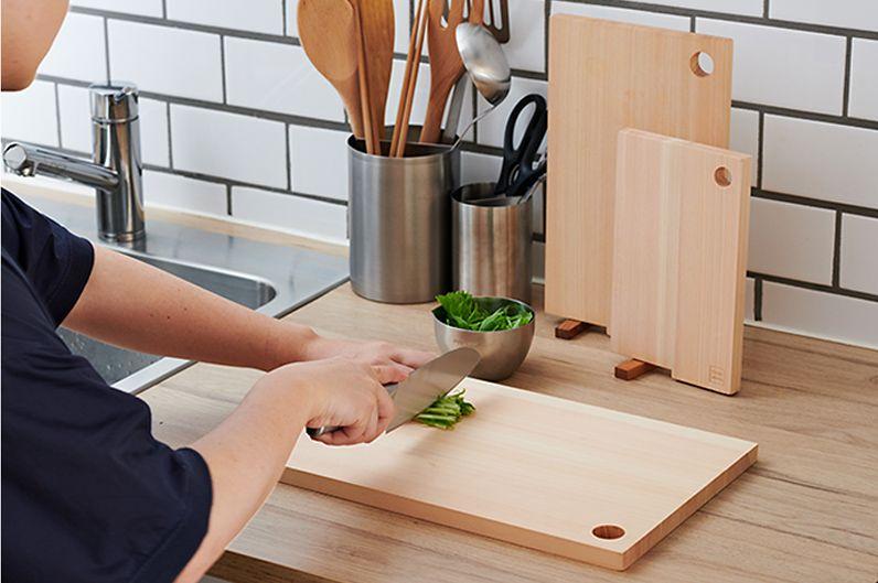 【インテリア雑貨   キッチングッズ特集】 STYLE JAPAN まな板   自立しながら乾燥・保管ができる、刃当たりのよい四万十ひのきを使用したまな板