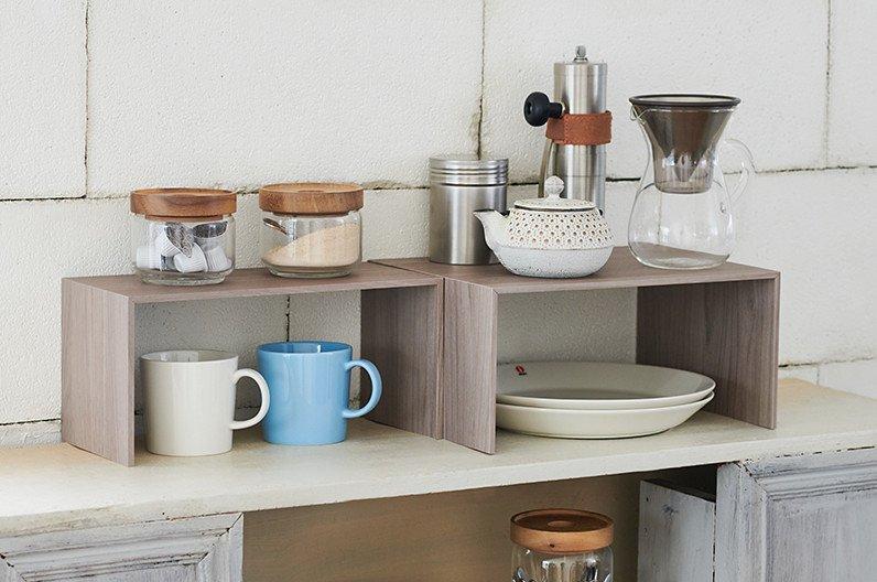 【インテリア雑貨特集】収納グッズ | like-it ライクイット PLUS RACK プラスラック | 食器棚や洗面所の収納容量を増やせられるコの字ラック