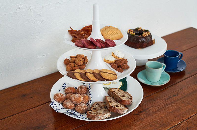 【インテリア雑貨特集】koziol コジオル バベル 3段トレー | テーブルが華やかになるタワー型の3段トレー