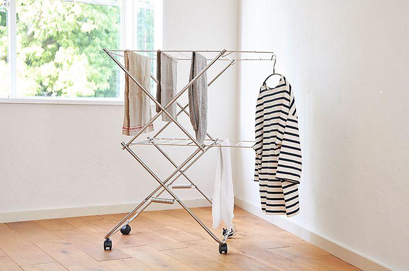 【インテリア雑貨特集】大木製作所 タワー型室内物干し | 2段サイズは物干し竿約1〜2本分の洗濯物とハンガーが一度に干せます