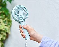 【インテリア雑貨特集】暑さを和らげる「涼」の新定番!   THREEUP 充電式 パワフルハンディファン