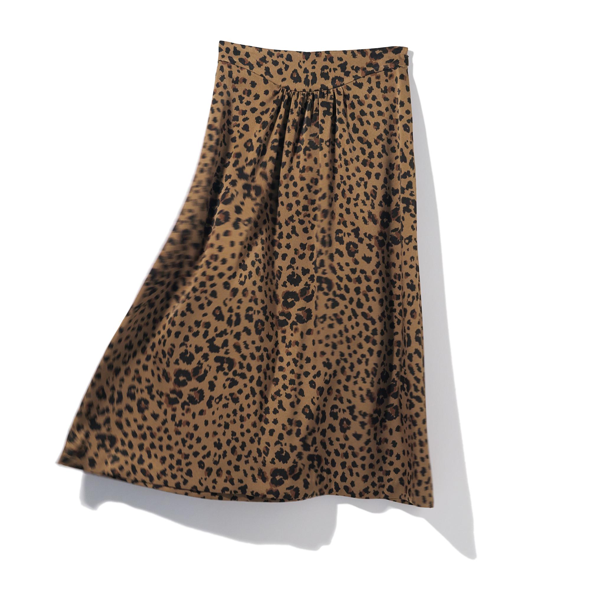 着まわし力のある「旬スカート」
