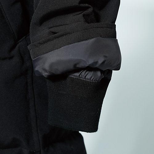 袖の内側はリブで冷気をシャットアウト