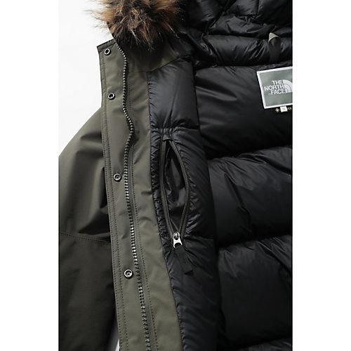 インサイドには、ジップ付きポケットも。たっぷり詰まった中綿で、暖かさもしっかりキープします。
