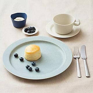 揃えたくなる、素敵なお皿たち