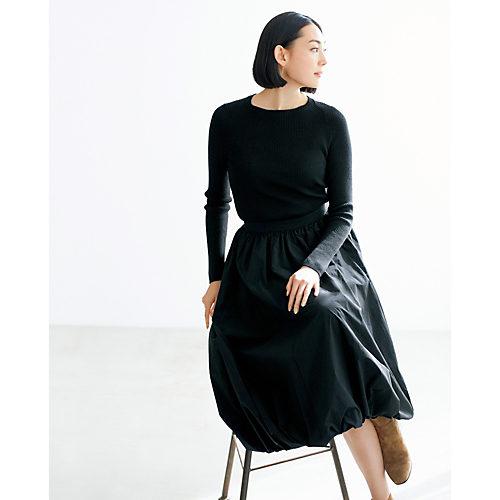 シーズンレスで着られ、カジュアルもドレスアップもOKで人気! タフタギャザースカート