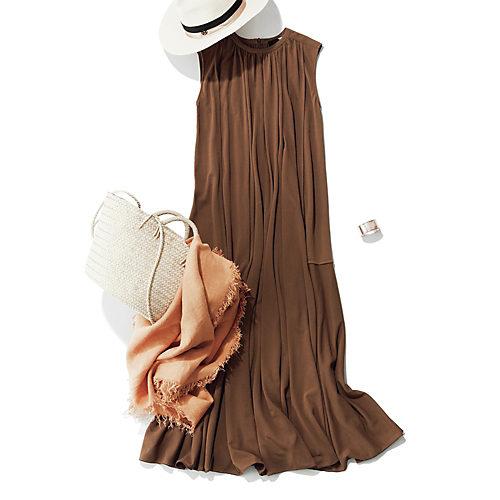 人気の定番ワンピを軸にした夏のフェミニンカジュアル FRESCA KANOKO /ギャザードレス