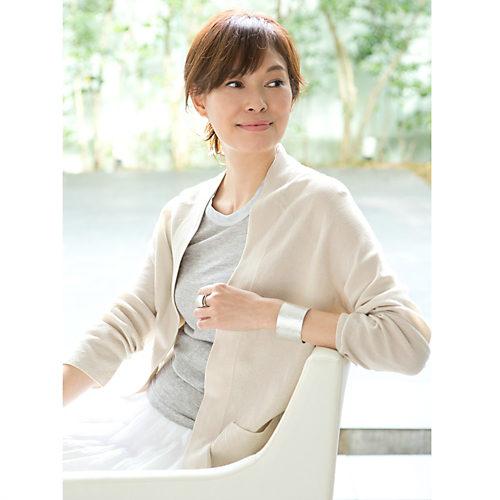モデル着用のブレスは<40mm>