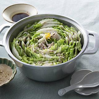 とっておきの鍋レシピを彩る冬の鍋道具