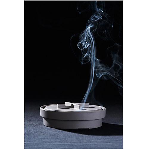 脇から煙が出る仕様です