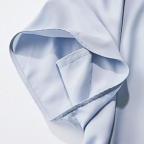 袖口の当て布で内側が見えにくい仕様