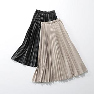 サスティナブルレザープリーツスカート¥22,000+税