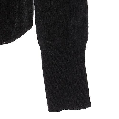 少し長めにした袖リブ。袖をたくし上げやすいのもポイント
