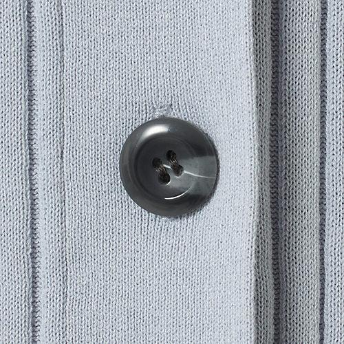 大きなボタンが格好のポイントに