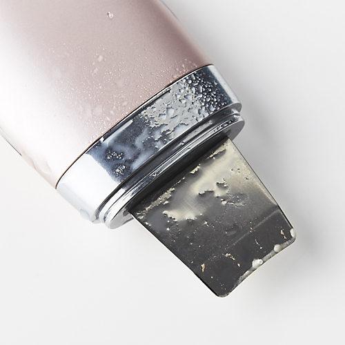 透明な水が白く濁るほど汚れが取れる