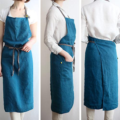 """""""ブルーパヴォーネ"""" パッと目を引く鮮やかなブルーは、季節を問わず人気のカラー"""