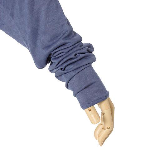 手の甲もカバーする、長めの袖丈