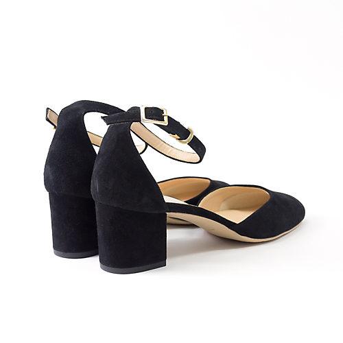 女性の脚が一番きれいに見える5cmヒール