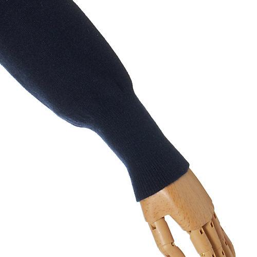 長めのリブは、袖をたくし上げやすいフィット感