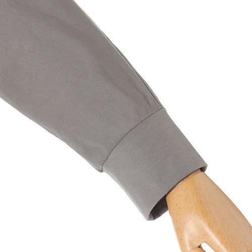 袖口を切替えて、袖をたくし上げやすいようにしています