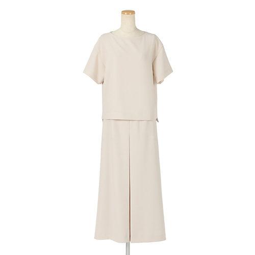 同素材のスカート(382947)とセットアップでご着用可能です。