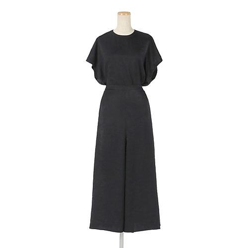 同素材のスカート(382811)とセットアップでご着用可能です。