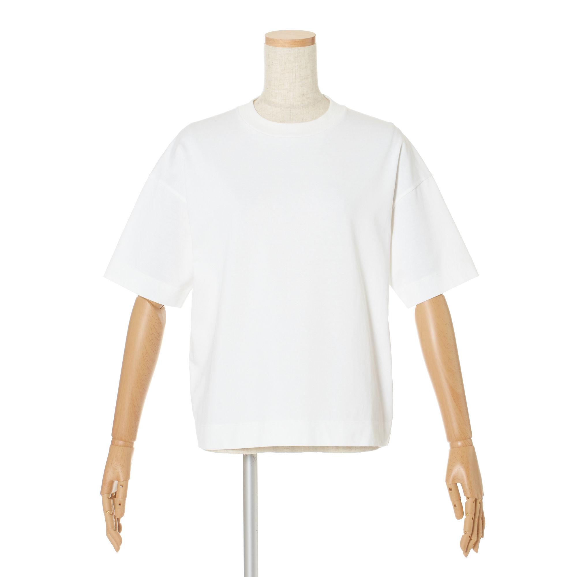 程よい厚みと大きめシルエットが、楽ちんなのにおしゃれに決まる SLOANE ペルーコットン天竺 Tシャツ