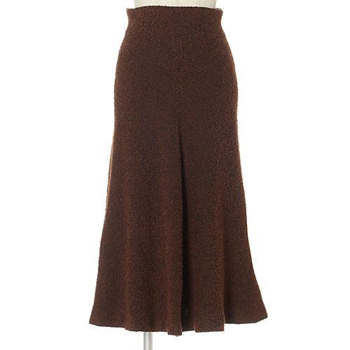 ハイウエスト&フレア。スカートは久しぶりにクラシックな雰囲気で フレアスカート