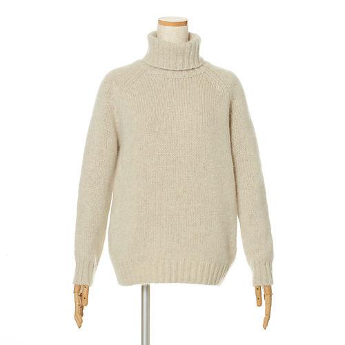 希少なヤクを100%使用した大人のためのざっくりニット ヤクチャンキー タートルネックセーター