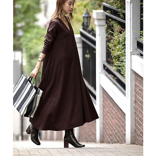 イージーケアでデイリー向きなポンチ素材のワンピース PONTE DRESS