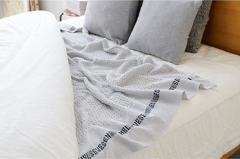 【インテリア雑貨特集】Barker Textile コットンブランケット | ワッフル編みのコットンブランケットは、秋の肌掛けにぴったり