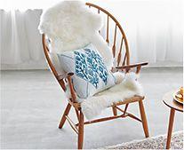 【インテリア雑貨特集】洗えるスプリングラム 長毛ムートンラグ | 毛足の長いムートン小物で季節感をプラス