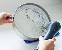 【インテリア雑貨特集】leye ワイヤーでスーッと切れるバター カッター | 上からぎゅっと押すだけでカンタンに40分割できるバターカッター
