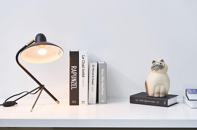 【インテリア雑貨特集】DI CLASSE Arles アルル デスクランプ ブラック | モダンテイストに、クラシカルな雰囲気をミックスしたデザイン