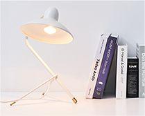 【インテリア雑貨特集】DI CLASSE Arles アルル デスクランプ ホワイト | モダンテイストに、クラシカルな雰囲気をミックスしたデザイン